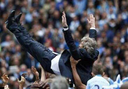Clinical Manchester City clinch EPL title