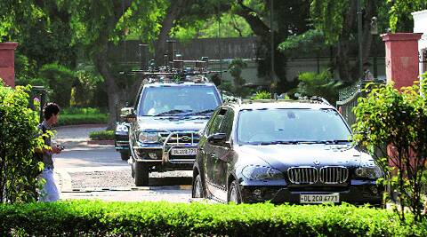 Manmohan Singh's convoy leaves 7, RCR on Monday. (Source: Express photo by Ravi Kanojia)