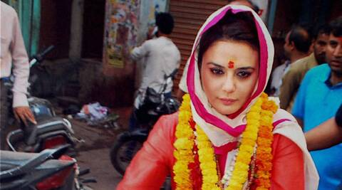 The said article suggested that Preity's family is upset with her due to her 'allegiance' to Narendra Modi.