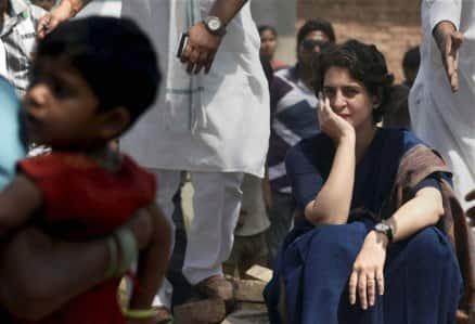 Priyanka Vadra breaks away from SPG security cordon