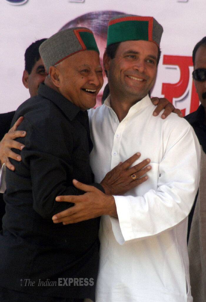 Rahul Gandhi greets Himachal Pradesh CM Virbhadra Singh during an election rally in Bilaspur. (IE Photo: Lalit Kumar)