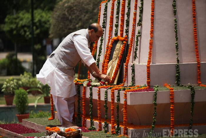Rajnath Singh paid floral tributes to India's first Home Minister, Sardar Vallabhbhai Patel, at his statue near Parliament before assuming charge. (Source: IE Photo by Anil Sharma)