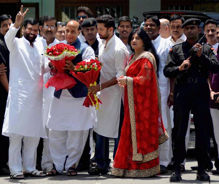 Paswan and his family with Rajnath Singh. (Source: PTI)
