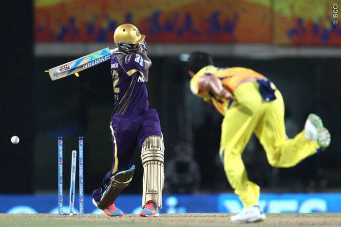 Mohit Sharma knocks over  Andre Russel to become the new purple cap holder.  (Photo: BCCI/IPL)