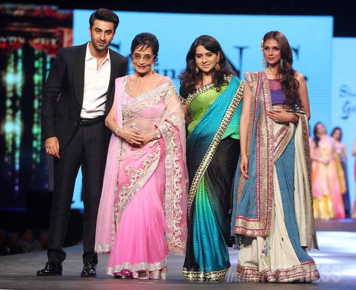Sadhana walks the ramp with Ranbir Kapoor, designer Shaina NC and actress Aditi Rao Hydari. (Photo:Varinder Chawla)