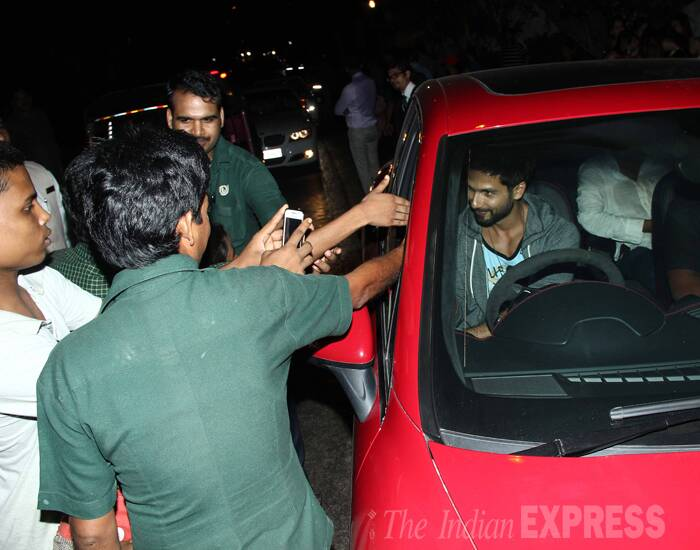 Shahid got quite a warm welcome from fans as he drove in. (Photo: Varinder Chawla)