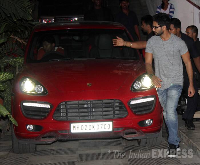 Shahid Kapoor, who went bald for Haider, was also seen in a grey T shirt and blue jeans.  (source: Varinder Chawla)
