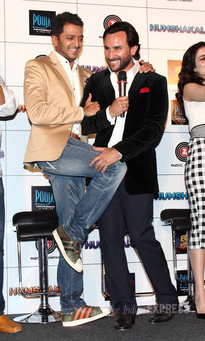 Bollywood hunks Saif Ali Khan and Riteish Deshmukh, who will be seen together in soon-to-release comedy flick, 'Humshakals', were having a blast as they bonded together at the film's trailer launch. (Source: Varinder Chawla)