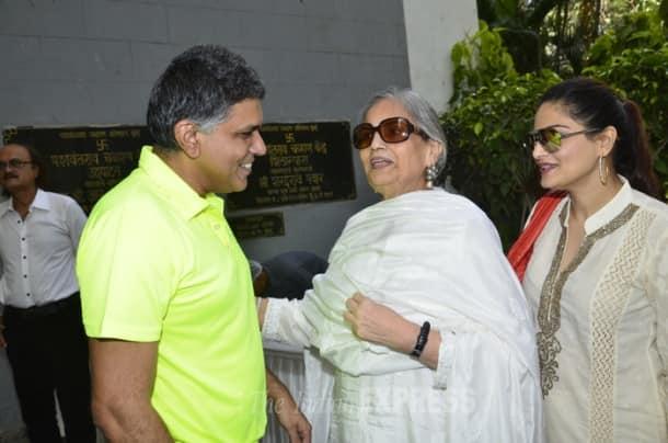 Salman Khan's mother Salma Khan support the CODS cause