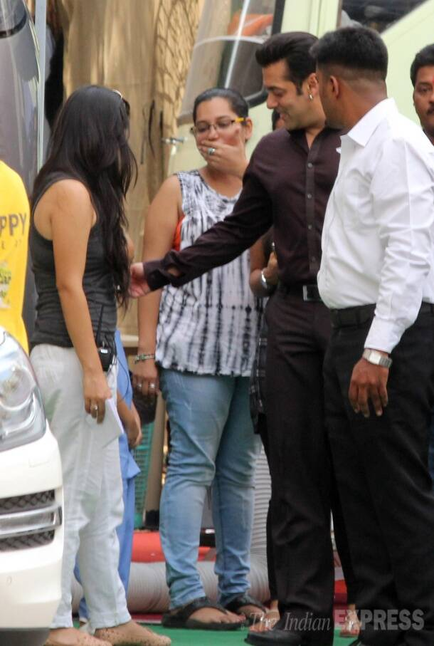 Salman Khan meets his little fans while shooting for 'Kick'