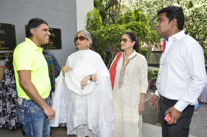 Meanwhile, Salman Khan's mother Salma Khan was spotted at the launch of the Centre for Obesity and Digestive Surgery (CODS) calendar at YB Chavan Center in Mumbai on Tuesday (May 6). Salma Khan, who has shrunk to half her size post her Bariatric surgery came to support the CODS cause. (Photo: Varinder Chawla)