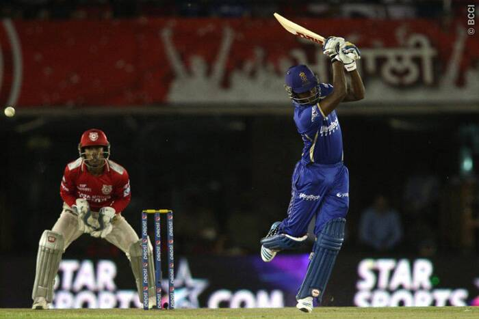 Sanju Samson found it hard to score freely, as the Kings XI Punjab bowlers kept the run-rate down throughout Rajasthan Royals innings expect the last overs where a late burst by James Faulkner gave Royals some hope of inching close to the target. (Source: IPL/BCCI)