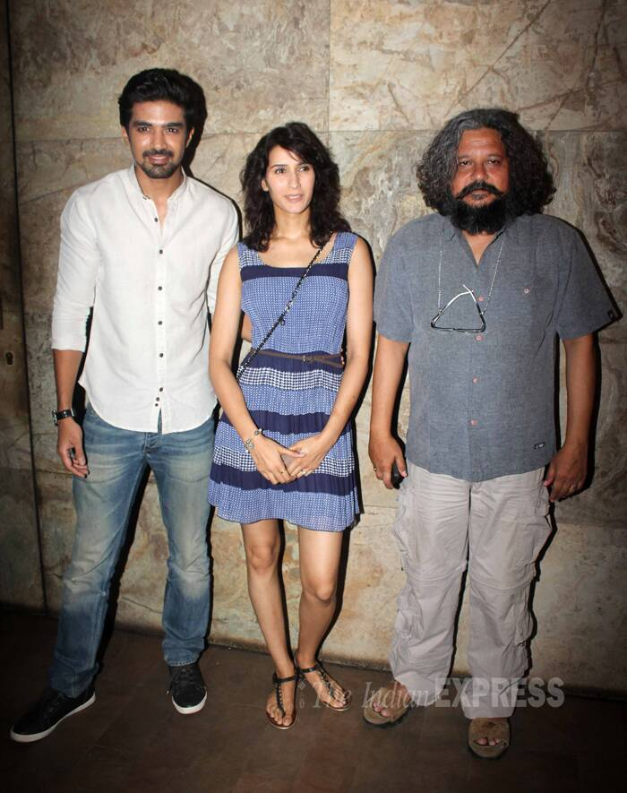 Pragya, who is also acting in the 'Hawaa Hawaai', poses for a picture along with Saqib and Amol Gupte. (Photo: Varinder Chawla)