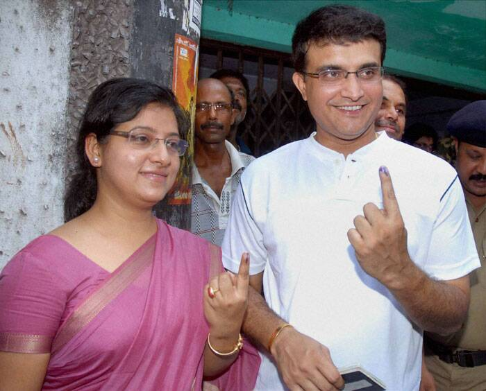 Former cricket captain Sourav Ganguly and his wife Dona Ganguly show their marked fingers after casting their votes for the last phase of Lok Sabha elections in Kolkata on Monday. (PTI)