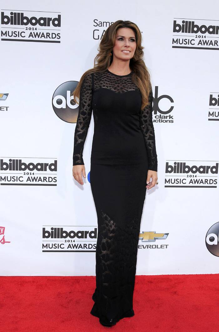 Country singer Shania Twain was stylish in black. (Source: Reuters)