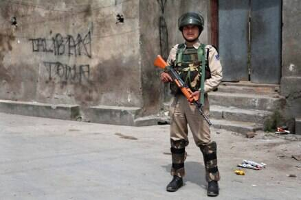 Curfew remains in force in parts of Srinagar