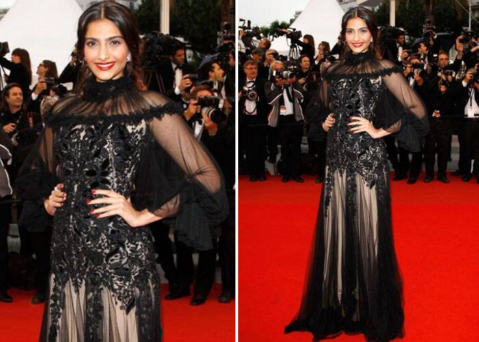 Sonam opted a heavy tulle gown by Alexander Mcqueen for the Closing Ceremony & Therese Desqueyroux Premiere 65th Annual Cannes Film Festival.