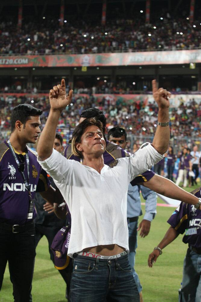 After his team Kolkata Knight Riders stormed into the final of IPL 7, there was no stopping co-owner Shah Rukh Khan, who celebrated in style at the Eden Gardens in Kolkata on Wednesday (Source: Express Photo by Partha Paul)