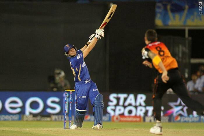 Steve Smith, top-scorer for Rajasthan with 22, felt the pressure of the asking rate and fell trying to up the innings run-rate. (Photo: BCCI/IPL)