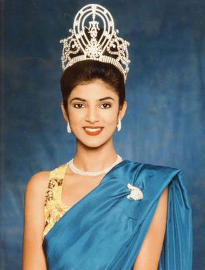 Sushmita Sen went on to become the first Indian to win the crown. (Source: Twitter/Facebook)