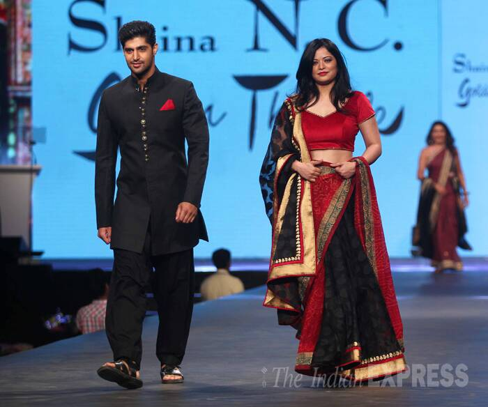 'Purani Jeans' actor Tanuj Virwani and Arzoo Gowitrikar made a beautiful pair in complementing black and red. (Photo:Varinder Chawla)