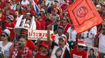 Thai PM in crisis meeting with Senate as protesters move to ousthim