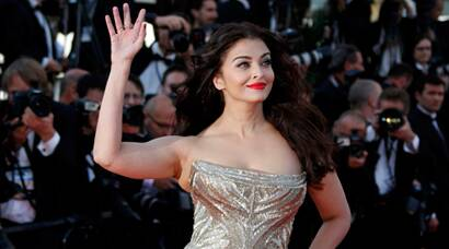 Aishwarya's ruby red lips are magical.