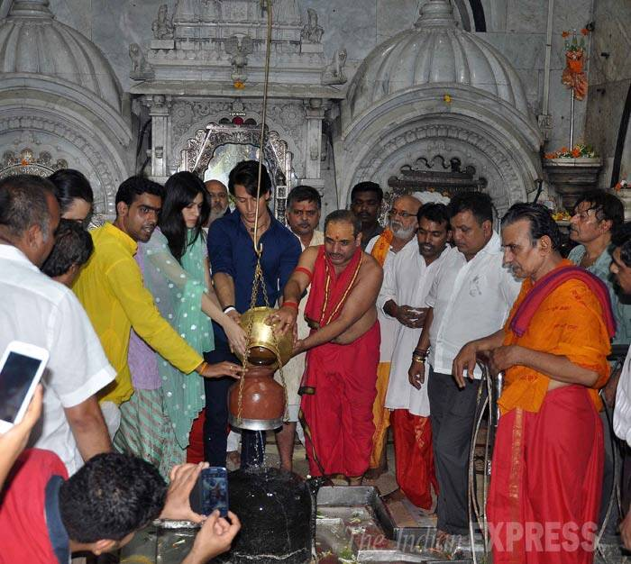 Tiger Shroff, Kriti Sanon offer prayers following the success of 'Heropanti'