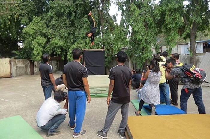 Tiger Shroff shows off some of his stunts . (Source: Instagram)