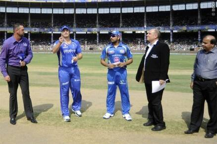 IPL 7: MI keep afloat play-off chances