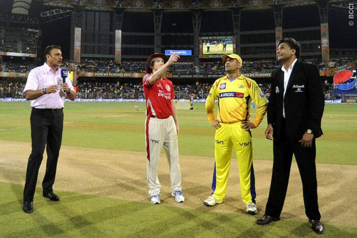 The stage was set for a perfect play-off clash between the Chennai Super Kings and Kings XI Punjab at the Wankhede Stadium in Mumbai. The toss was won by M S Dhoni who invited Kings XI Punjab to bat first. (Source: IPL/BCCI)