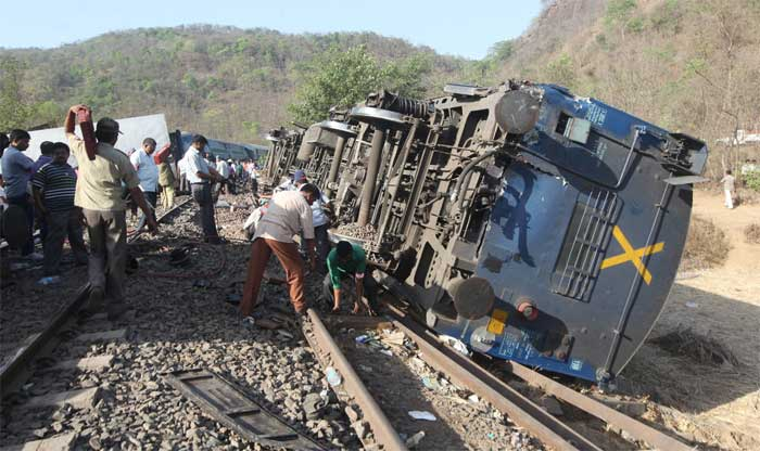The death toll rose as more bodies and injured persons were found trapped when the overturned bogies were being removed, a police official said. Rescue operations were underway, police said. (Express Photo: Prakash Nadkar)