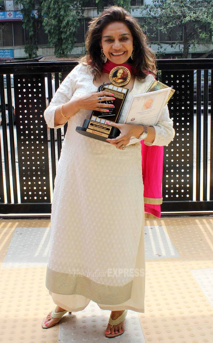 Producer Barkha Roy looks thrilled with her award for classic film 'My Friend Hussain'. (IE Photo: Amit Chakravarty)