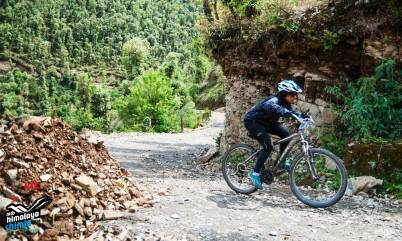 Vamini Sethi crouches low on the saddle and climbs on day two. She also busted her front brakes which also slowed down her pace. (Picture: HASTPA)