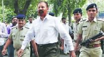 'Encounter specialist' D G Vanzara granted bail in Ishrat Jahancase