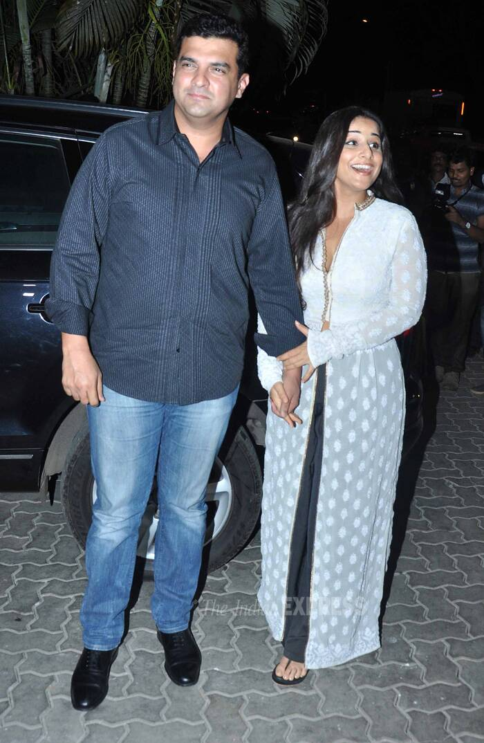 Vidya Balan, who looked exuberant, snubbed rumours that there was trouble in her marriage. She was dressed in a white chickenkari kurta with front long slit. Thr kurta was teamed with black glistening pants. (Source: Varinder Chawla)