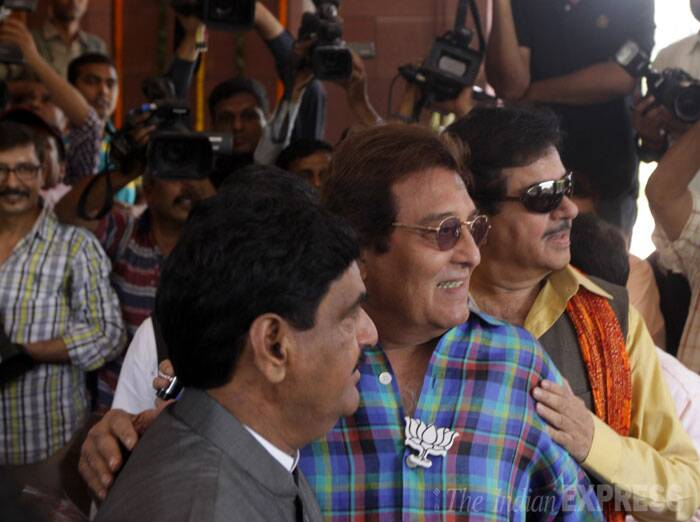 Gopinath Munde,Vinod Khanna and Shatrughan Sinha pose together before entering the  Central Hall. (Source: Express photo by Praveen Jain)