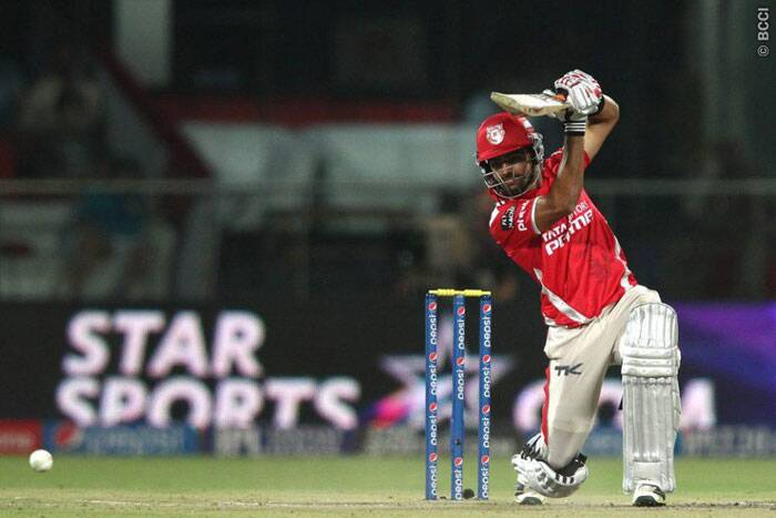 Chasing 165, KXIP was of to a flier, thanks to a 19-ball 42 by young Manan Vohra. The openers scored over ten runs per over for the first seven overs. (Photo: BCCI/IPL)
