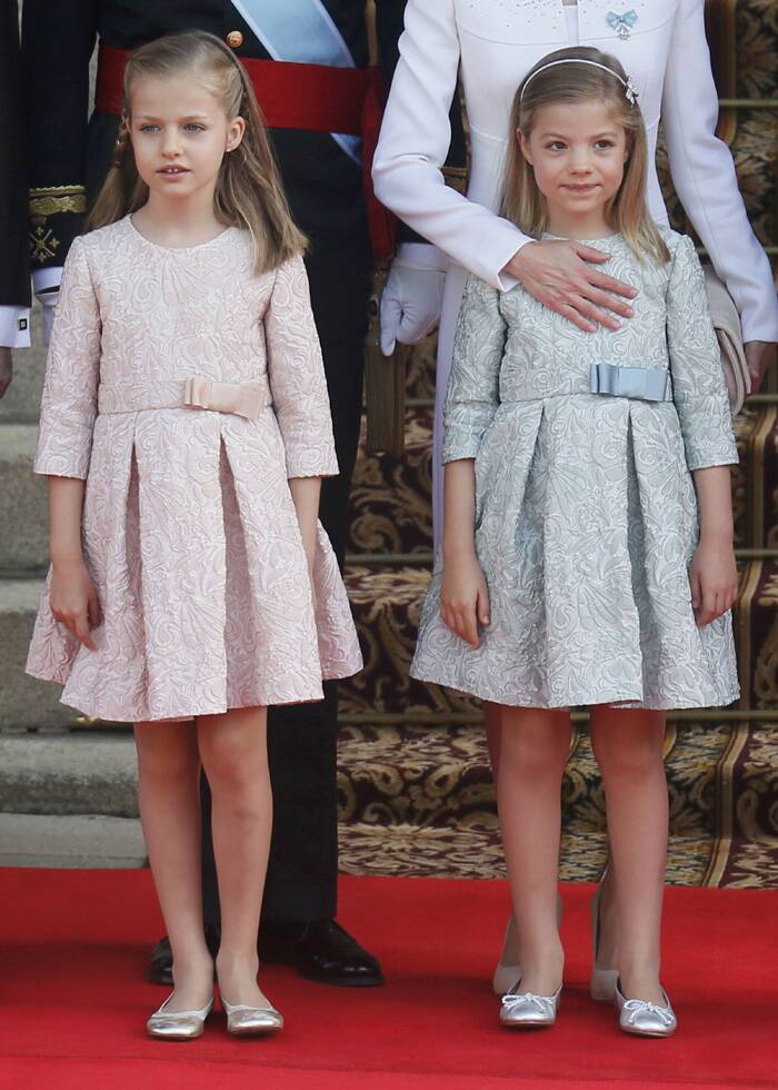 Princess Sofia and Princess Leonor as they arrive for the swearing-in ceremony. (Source: Reuters)