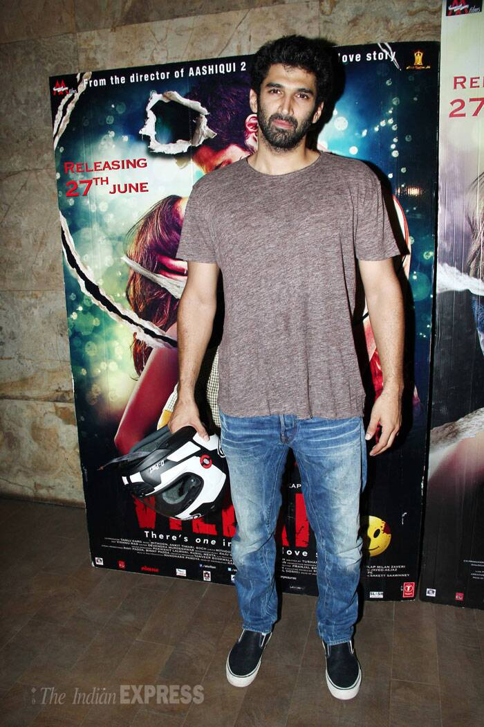 Aditya Roy Kapur,who co-starred with Shraddha Kapoor in 'Aashiqui 2',  attended a special screening of his current flame. The duo have not been spotted together in a long time and reports suggest that Aditya is miffed about Shraddha's sudden closeness to her 'Ek Villain' co-star Sidharth Malhotra. (Source: Varinder Chawla)
