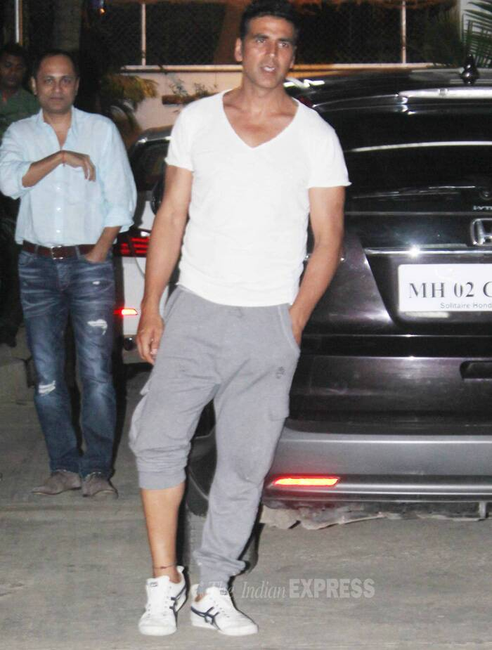 Check out Akshay post the show in a white tee shirt, tracks and sneakers. (Source: Varinder Chawla)