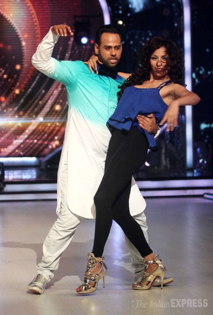 Former 'Bigg Boss' housemate VJ Andy and his choreographer Bhawna get on the dance floor. (Source: Varinder Chawla)