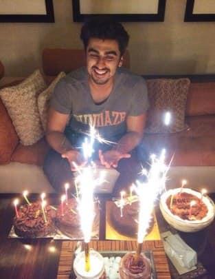 Arjun Kapoor turns 29: Celebrates by cutting many cakes