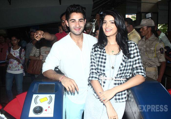 Varun's Friday night party, Armaan-Deeksha take a metro ride