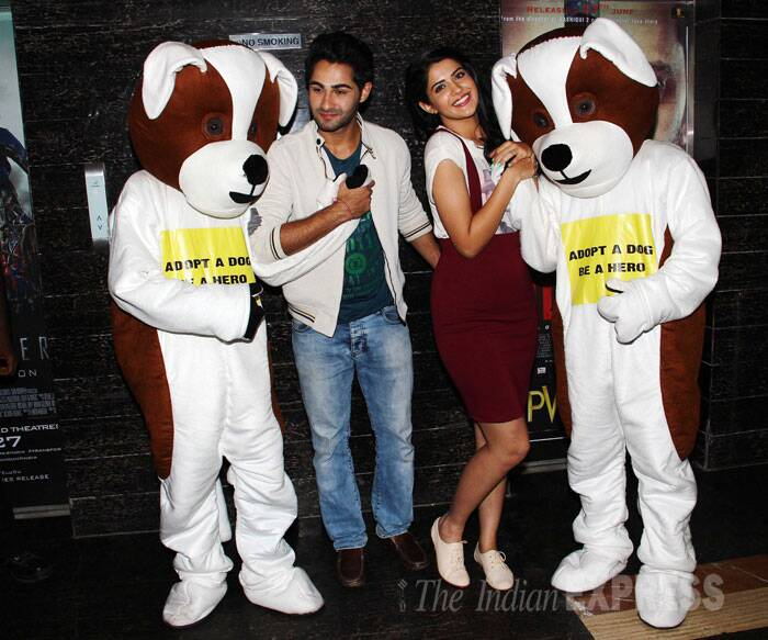 Bollywood newbies Armaan Jain and Deeksha Seth, who are all set to make their debut with 'Lekar Hum Deewana Dil', were out promoting the film with their hearts going out to 'dog adoption' campaign on Sunday (June 29) in Mumbai. (Source: Varinder Chawla)