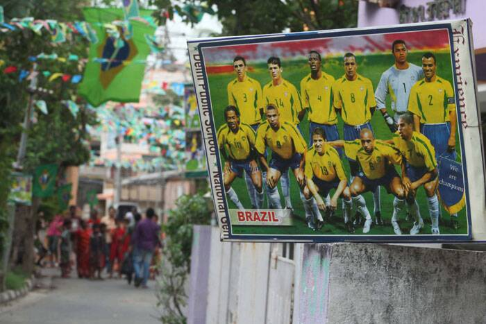 As Kolkata gears up for the tournament's opening game between Brazil and Croatia, this photograph refreshes memories of the Brazilian team which won the World Cup in 2002 which was held in South Korea and Japan. (Source: IE Photo by Partha Paul)