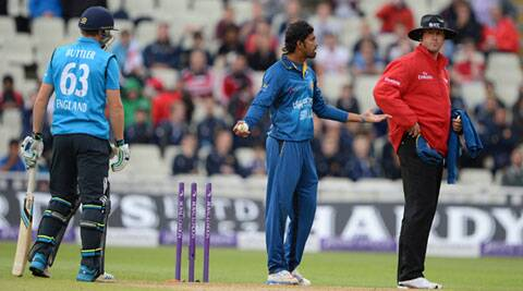 Sri Lanka's Senanayake removed the bails as batsman Jos Buttler was backing up at the non-striker's end during Tuesday's fifth and final one-day international at Edgbaston. (Source: AP)