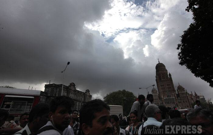 Dark clouds gathered over Mumbai sky on Friday. (Source: Express photo by Prashant Nadkar)