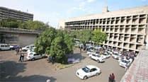 Experts carry out restoration work of Secretariatbuilding