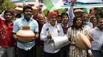 Delhi Congress leaders detained during protest on power,water